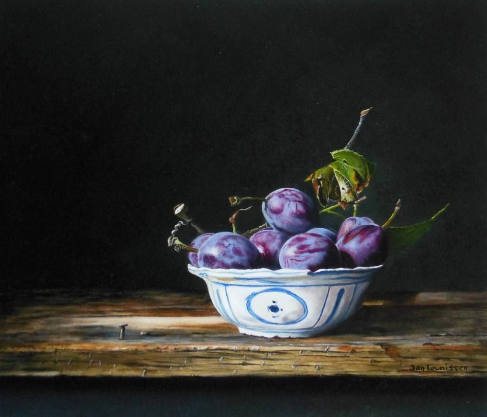 Plums in Chinese bowl